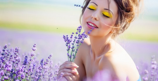 Dermocosmetica curativa a base di preziosi gemmoterapici composta specificatamente per la vostra pelle.
