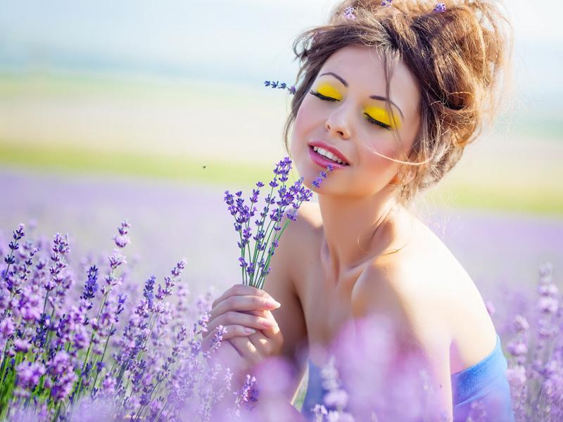 Dermocosmetica curativa a base di preziosi gemmoterapici composta specificatamente per la vostra pelle