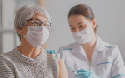 """Vaccinazione anti-COVID: aperta agli """"over 75"""""""